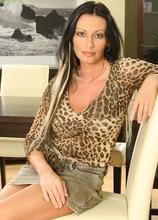 Feisty cougar Pandora stuffs toy deep in older pussy. in Karupsow | Elite Mature