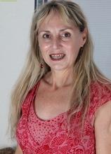 Older blonde amateur Sophie exposes her hairy bush. in Karupsow | Elite Mature