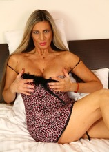 Busty cougar Mercedes Silver fingers her snatch. in Karupsow | Elite Mature