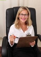 Office MILF Katherine Jackson butt naked on her desk. in Karupsow | Elite Mature