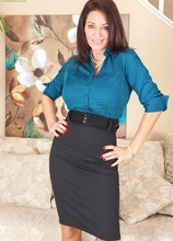 Stunning MILF Charlee Chase strips after work. in Karupsow | Elite Mature