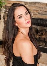 Brunette MILF Bianca Breeze masturbates with magic wand. in Karupsow | Elite Mature