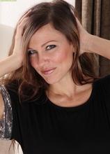Stunning elegant MILF Amy Johnson naked in high heels. in Karupsow | Elite Mature