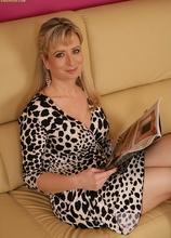 Busty cougar Samantha Marty masturbates on the sofa. in Karupsow | Elite Mature