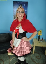 Mature babe Sable Knight plays Little Red Riding Hood. in Karupsow | Elite Mature