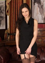Stunning mature babe Michelle Khan naked in stockings. in Karupsow | Elite Mature