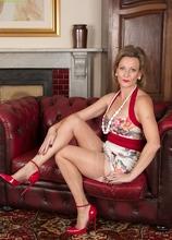 Older Huntingdon Smyth naked in red high heels. in Karupsow | Elite Mature