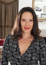 Desire Delgoto exposes her big natural mature tits. in Karupsow | Elite Mature
