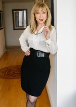 Older mature babe Nina Hartley gets her pussy pounded hard. in Karupsow | Elite Mature