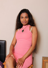 Mature Pictures Featuring 36 Year Old Alishaaa Mae From AllOver30
