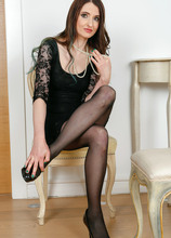 Mature Pictures Featuring 44 Year Old Bianca H From AllOver30