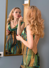 Mature Pictures Featuring 42 Year Old Helen Volga & Foxy Love From AllOver30