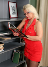 Mature Pictures Featuring 30 Year Old Luba Love From AllOver30