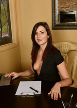 Mature Pictures Featuring 33 Year Old Helena Price From AllOver30