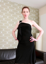 Mature Pictures Featuring 41 Year Old Scarlet Louise From AllOver30