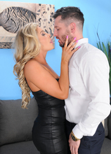 Mature Pictures Featuring 30 Year Old Nikki Capone From AllOver30