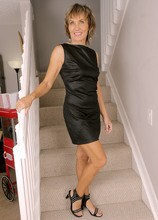 Mature Pictures Featuring 55 Year Old Lillian Tesh From AllOver30