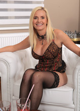 Mature Pictures Featuring 40 Year Old Lilly Peterson & Gracia Saluda From AllOver30