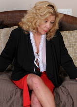 Mature Pictures Featuring 52 Year Old Karen Summer From AllOver30