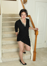 Mature Pictures Featuring 33 Year Old Carlita Johnson From AllOver30