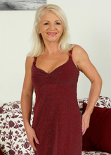Mature Pictures Featuring 47 Year Old Inez From AllOver30