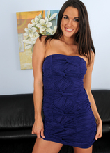 Mature Pictures Featuring 30 Year Old Misty Anderson From AllOver30
