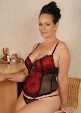 Mature Pictures Featuring 44 Year Old Ria Black From AllOver30