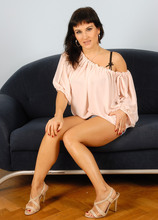 Mature Pictures Featuring 33 Year Old Valentina From AllOver30