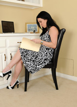 Mature Pictures Featuring 38 Year Old RayVeness From AllOver30