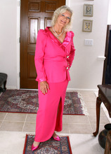 Mature Pictures Featuring 59 Year Old Michelle V From AllOver30