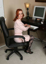 AllOver30.com - Introducing 52 year old Maggie