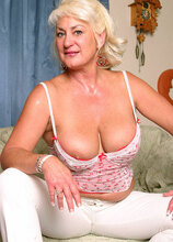 AllOver30.com - The HOTTEST MILFS On The Net