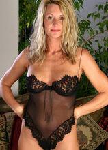 AllOver30.com - Featuring Ingrid