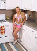 Joelean - Housewives - 001815