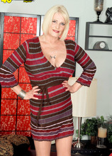 Rose Marie: big-titted XXX MILF - Rose Marie and Levi Cash (87 Photos) - 40 Something