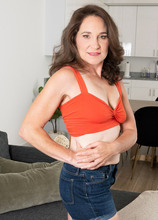Carrie Ann's first photos - Carrie Anne (62 Photos) - 40 Something