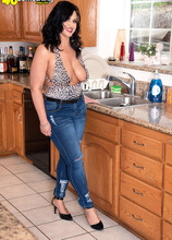 A new big-titted, big-assed MILF - Kailani Kai (86 Photos) - 40 Something