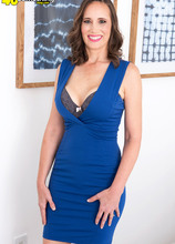 From conservative mom to first-time porno