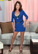 The busty 50something from Delaware - Karen DeVille (50 Photos) - 40 Something