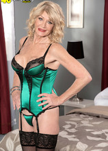 Decadent divorcee - Kendall Rex (66 Photos) - 40 Something