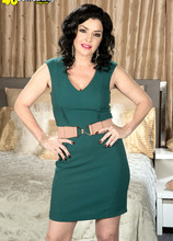 Natalie's first time - Natalie Lorenz and Peter Green (43 Photos) - 40 Something