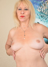 Sandy Pierce