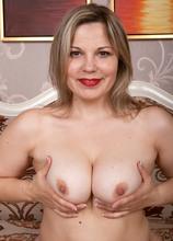 Ellariya Rose