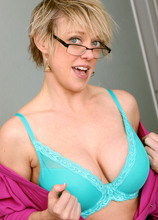 Dee Williams Porn Galleries by Date