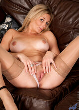 Anilos - Milfchat featuring Scarlet. (Photos)