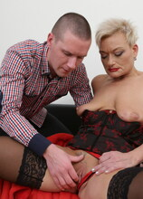 Kinky mature lady getting fucked and fisted