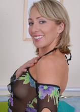 Jasette needs a playmate for the evening! in Karupsow | Elite Mature