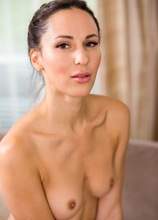 Naked and alone MILF Lilu Moon wishes you would come satisfy her needs. in Karupsow | Elite Mature