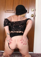 Thick busty wife Kelsey Johnson exposes her bush.