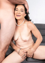 He fucked the daughter. Now he'll fuck the mom - Carrie Anne and J Mac (76 Photos) - 40 Something